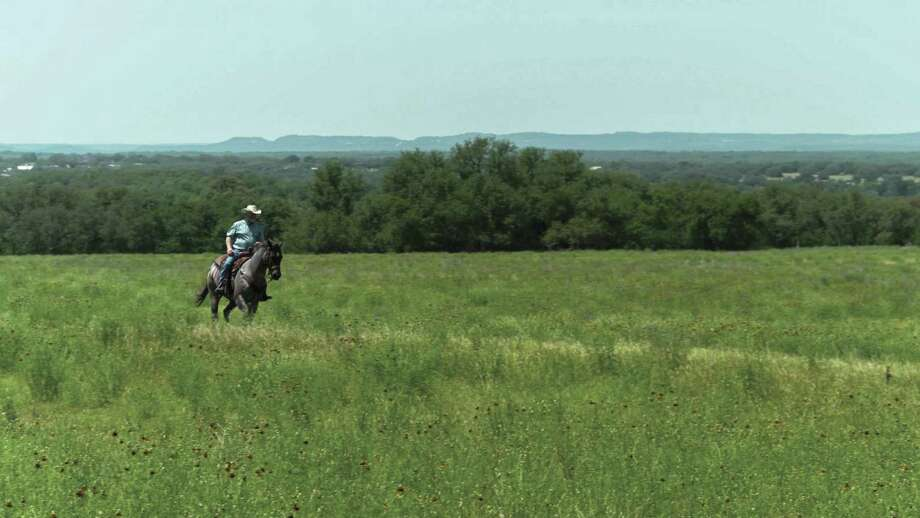 At Sabinas Creek Ranch, residents will experience panoramic 20-mile Hill Country views, pristine meadows, great outdoor recreation, abundant wildlife, a gated entrance, private road frontage and more.