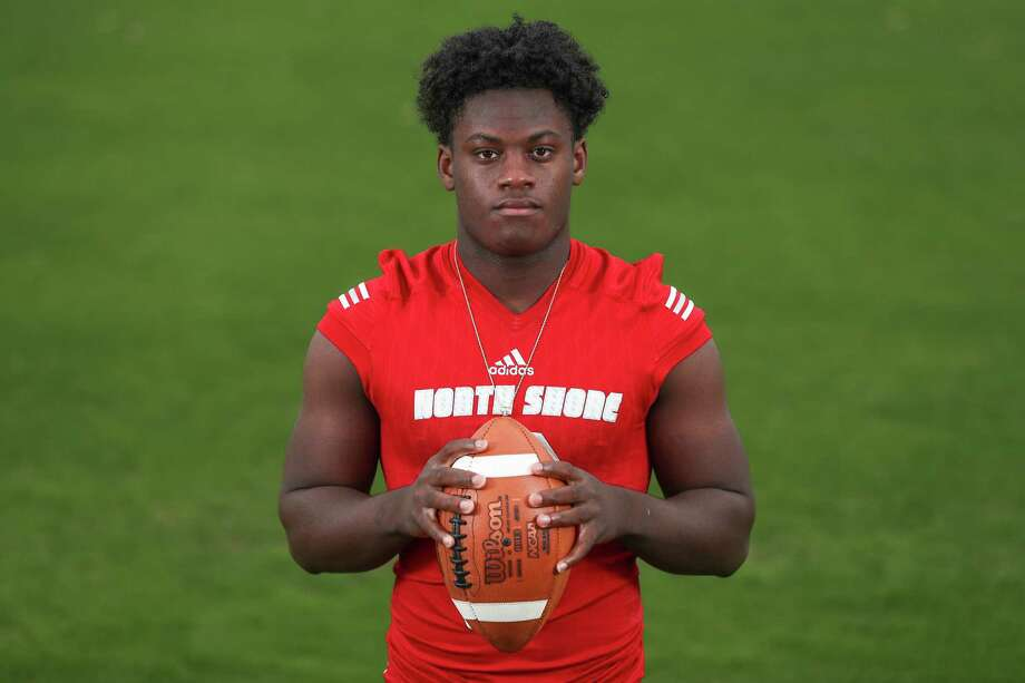 Dematrius Davis, North Shore High School quarterback, is the All Greater Houston Offensive Player of the Year Sunday, Dec. 30, 2018, in Houston. Photo: Steve Gonzales, Staff Photographer / © 2018 Houston Chronicle