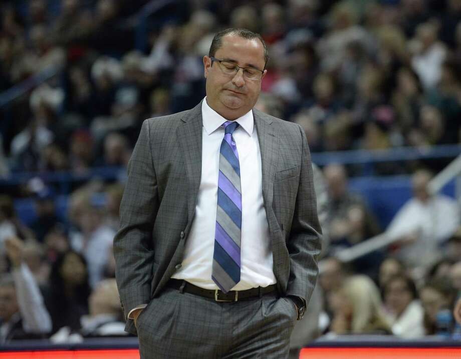 South Florida's women's basketball coach has seen his team fall from being a Top 25 caliber team to an injury-riddled squad. Photo: Jessica Hill / AP / AP2017