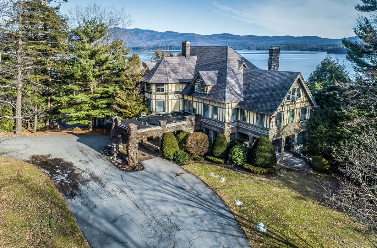 Photos of Wikiosco, a mansion at 3232 Lake Shore Drive, Lake George.