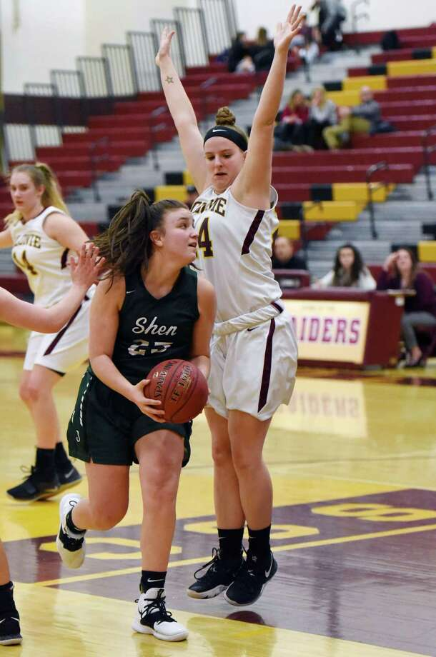 Shen's Meghan Huerter goes in for a layup during a game against Colonie Friday, Jan. 11, 2019 at Colonie High School in Colonie, N.Y. (Phoebe Sheehan/Times Union) Photo: Phoebe Sheehan / 20045863A