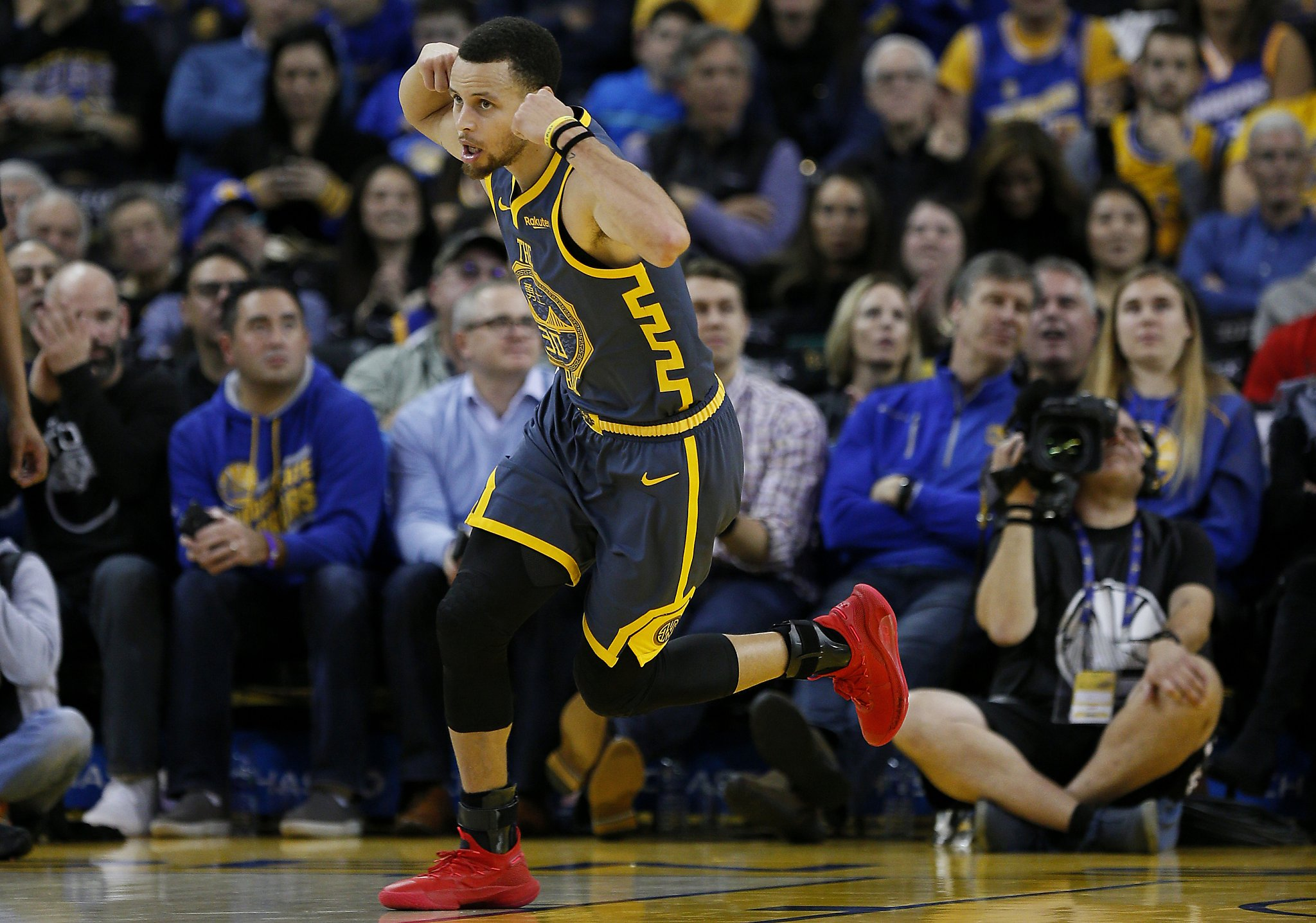 96158dec6 Starters rest in 4th quarter as Warriors rout Bulls - SFGate