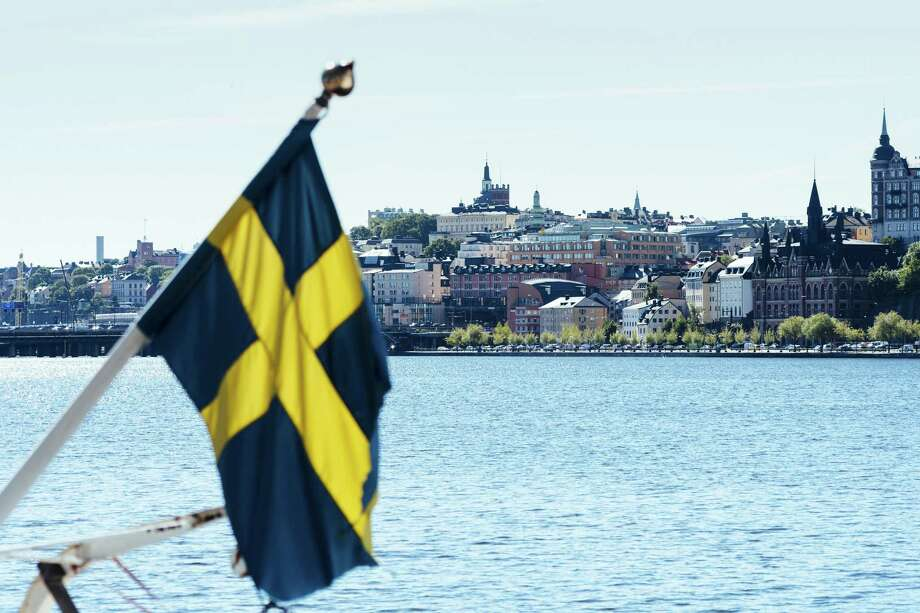 The Swedish flag in Stockholm, Sweden, on 28, 2017. Photo: Bloomberg Photo By Mikael Sjoberg. / The Washington Post
