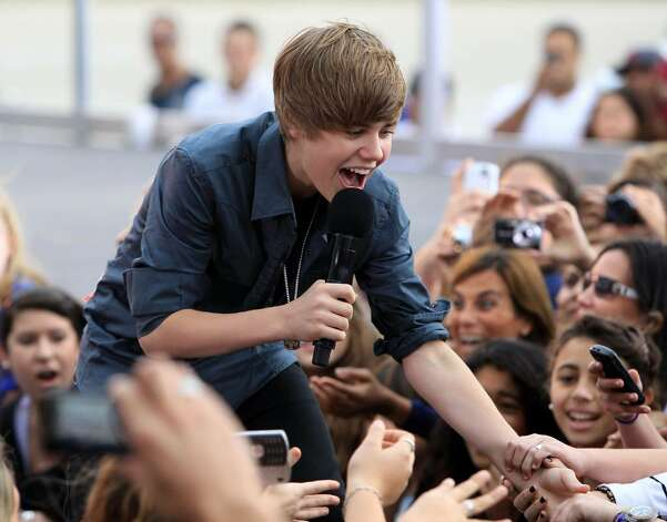 MIAMI BEACH, FL - FEBRUARY 05:  Singer Justin Bieber performs on CBS News The Early Show on South Beach at Lummus Park on February 5, 2010 in Miami Beach, Florida.  (Photo by Christopher Polk/Getty Images) *** Local Caption *** Justin Bieber Photo: Christopher Polk, Getty Images / 2010 Getty Images