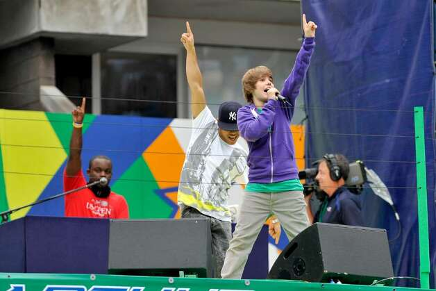 NEW YORK - AUGUST 29:  Justin Bieber performs at the 2009 Arthur Ashe Kids Day>> at the USTA Billie Jean King National Tennis Center on August 29, 2009 in Corona, New York.  (Photo by Rob Loud/Getty Images) *** Local Caption *** Justin Bieber Photo: Rob Loud, Getty Images / 2009 Getty Images