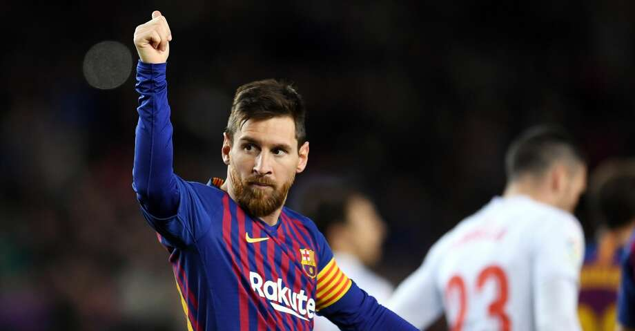 BARCELONA, SPAIN - JANUARY 13: Lionel Messi of FC Barcelona celebrates his team's second goal during the La Liga match between FC Barcelona and SD Eibar at Camp Nou on January 13, 2019 in Barcelona, Spain. The goal is Messi's 400th goal in La Liga for FC Barcelona. (Photo by David Ramos/Getty Images) Photo: David Ramos/Getty Images