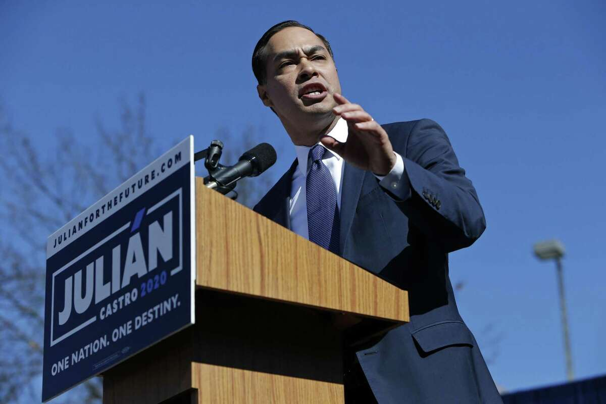 SAN ANTONIO, TX - JANUARY 12: Julian Castro, former U.S. Department of Housing and Urban Development (HUD) Secretary and San Antonio Mayor, announces his candidacy for president in 2020 at Plaza Guadalupe on January 12, 2019 in San Antonio, Texas. If successful, Castro would be the first Hispanic candidate to win the White House. (Photo by Edward A. Ornelas/Getty Images) *** BESTPIX ***