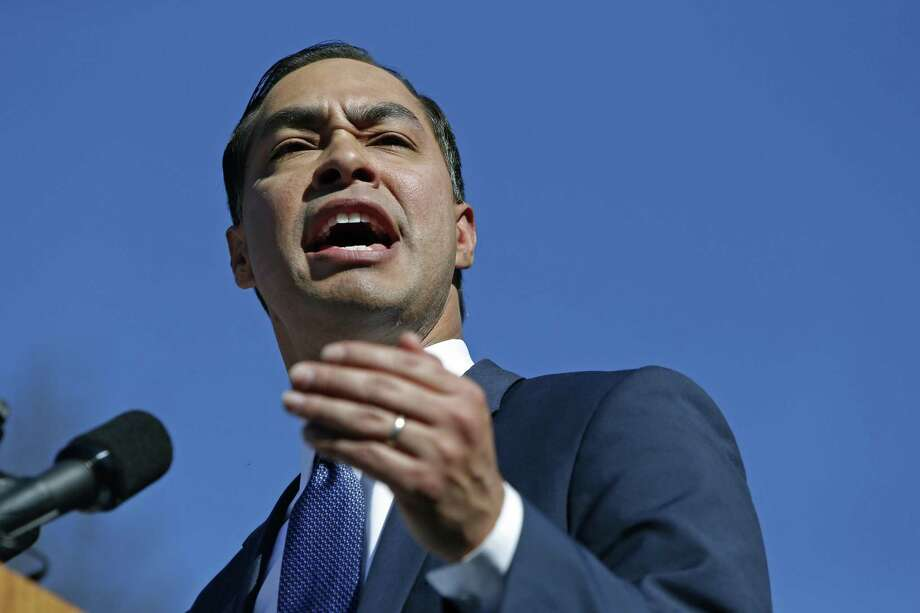 SAN ANTONIO, TX - JANUARY 12: Julian Castro, former U.S. Department of Housing and Urban Development (HUD) Secretary and San Antonio Mayor, announces his candidacy for president in 2020 at Plaza Guadalupe on January 12, 2019 in San Antonio, Texas. If successful, Castro would be the first Hispanic candidate to win the White House. (Photo by Edward A. Ornelas/Getty Images) Photo: Edward A. Ornelas, Stringer / Getty Images / 2019 Getty Images