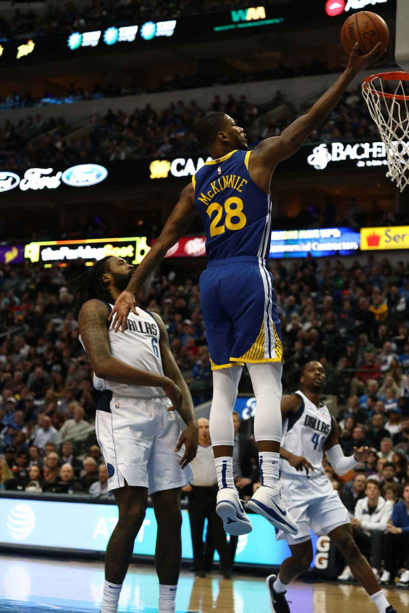 Stephen Curry scores 48 points as Warriors top Mavs