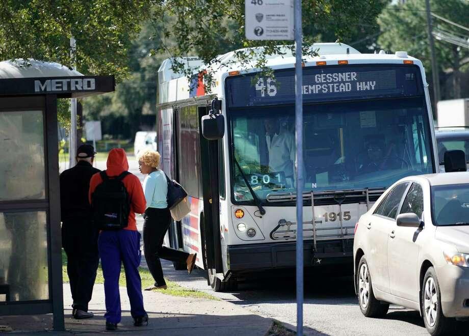A Metropolitan Transit AuthorityRoute 46 bus is shown along Gessner near Westheimer on Jan. 9. Photo: Melissa Phillip, Staff Photographer / © 2019 Houston Chronicle