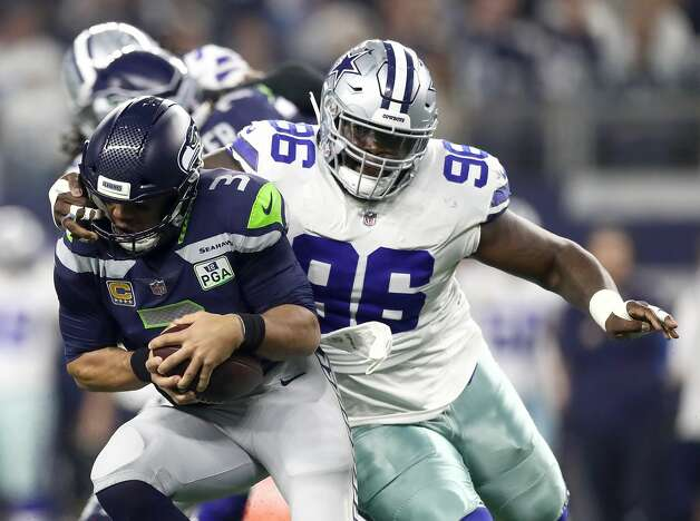 Maliek Collins, defensive tackle 2018 base salary: $755,000  Contract: 4 years, $3.5 million ($881,152 guaranteed) Can become a free agent after 2019 season. Photo: Ronald Martinez/Getty Images