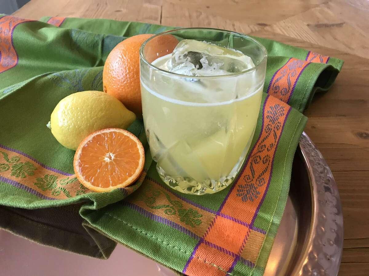 La Floridita Linda cocktail takes advantage of winter's bounty of citrus.