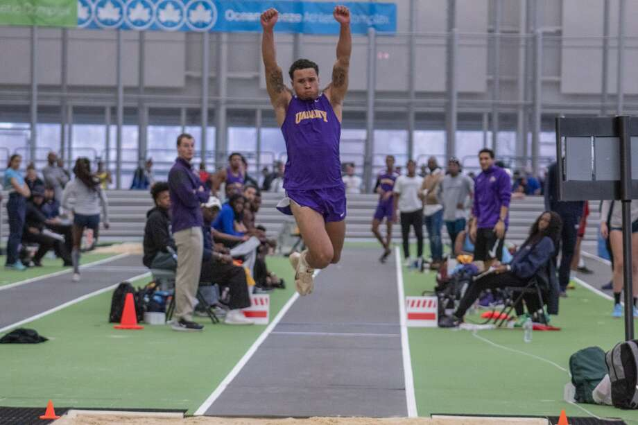 Schalmont High School graduate Devon Willis of the UAlbany indoor track team. (Jay Bendlin / UAlbany Athletics)