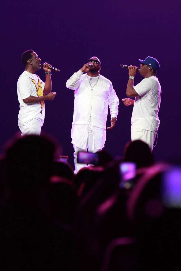 Boyz II Men performs with the Houston Symphony on Friday. Photo: Gary Fountain, For The Chronicle / Gary Fountain/For The Chronicle / Copyright 2017 Gary Fountain