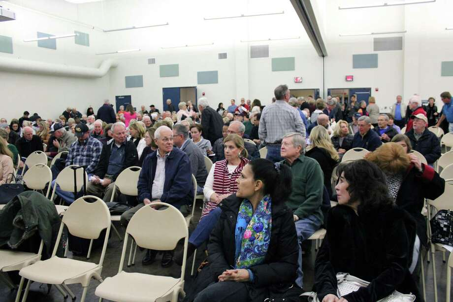 The Kingwood Community Center was filled with over 300 residents on Jan. 14, 2019 concerned about the Herons Kingwood Marina development proposed by Romerica Investments, LLC. Photo: Kaila Contreras