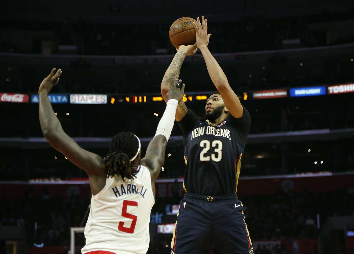 New Orleans Pelicans' Anthony Davis (23) in actions during an NBA basketball game between Los Angeles Clippers and New Orleans Pelicans Monday, Jan. 14, 2019, in Los Angeles. The Pelicans won 121-117. (AP Photo/Ringo H.W. Chiu)