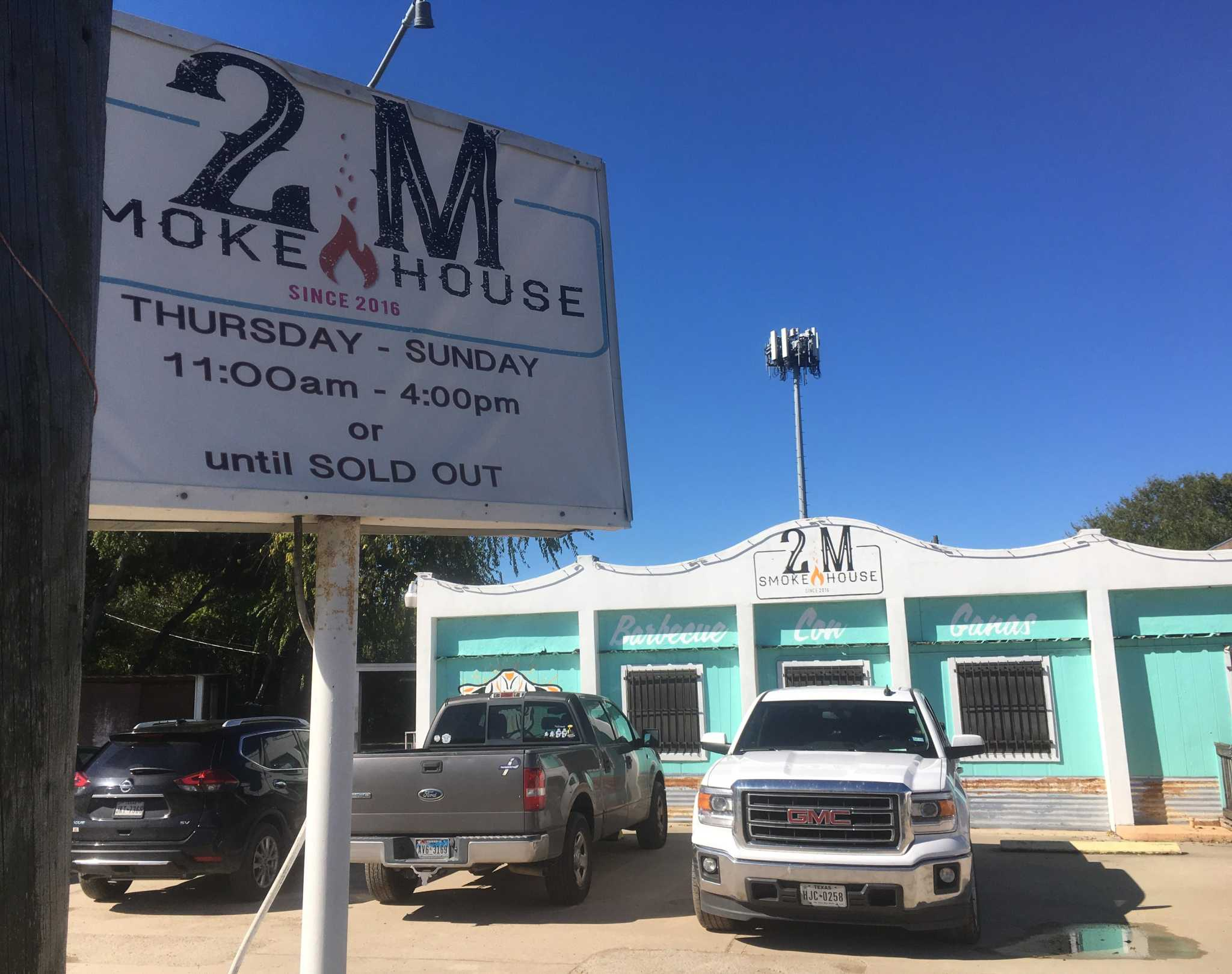 S.A.'s 2M Smokehouse offering free pulled pork tacos to furloughed government employees