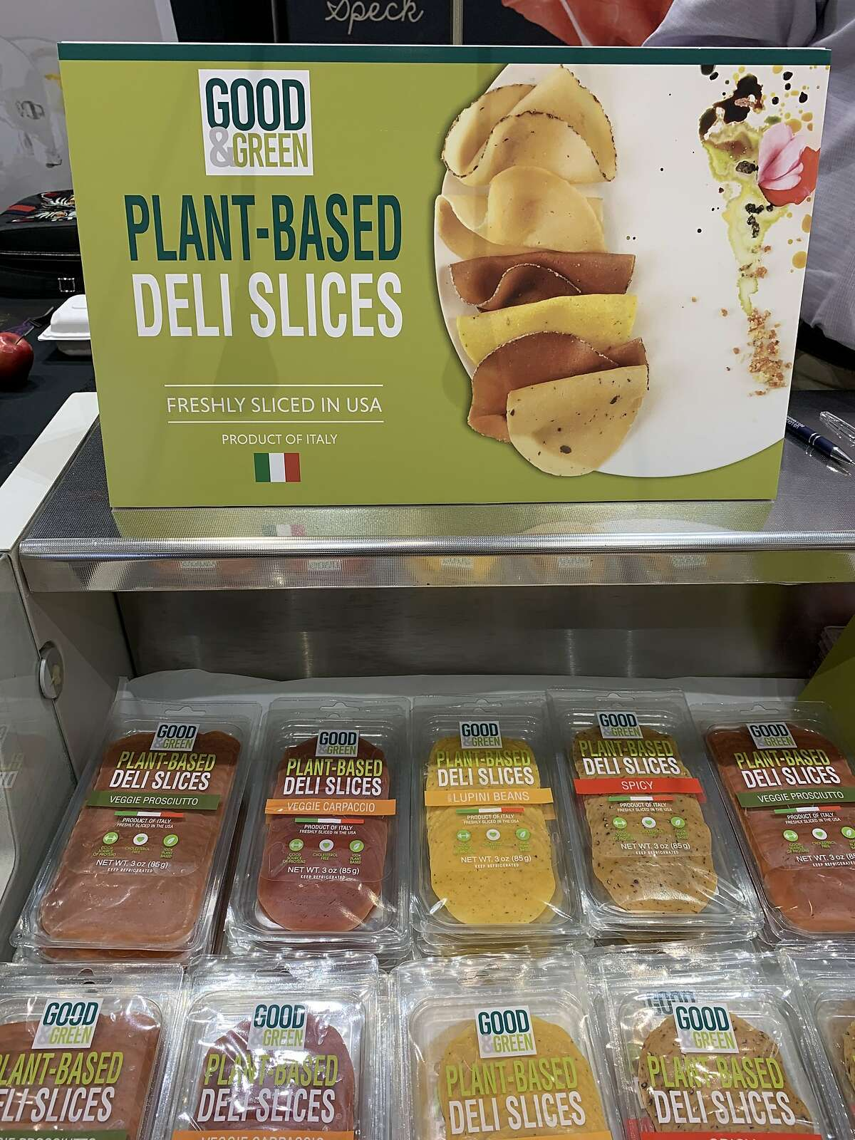 Maestri D'Italia debuted their Italian-made plant-based deli slices, including prosciutto and beef carpaccio, at the Winter Fancy Food Show.