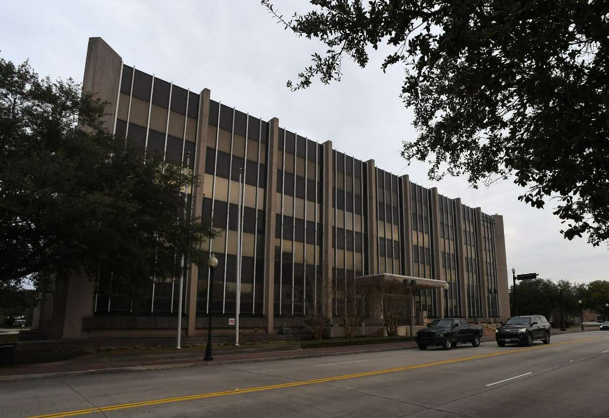 [The City of Beaumont voted Tuesday in favor of biding on the auctioning of AT&T's Main Street building in downtown. Around 20 people attending the meeting spoke against the purchase siting a variety of reasons. Photo taken Tuesday, 1/15/19