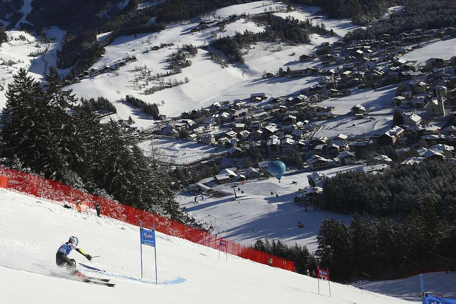Shiffrin skies the steep Erta slope at near the Kronplatz resort in Kronplatz, Italy, Tuesday. The overall World Cup leader scored her 10th victory of the season and 53rd in her career. Photo: Alessandro Trovati / Associated Press